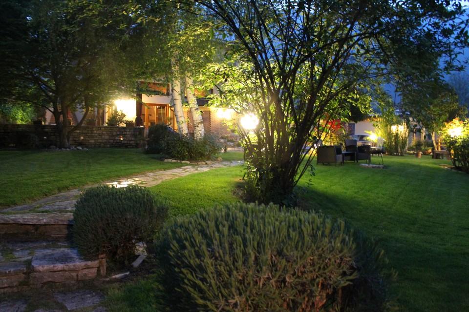 Giardino hotel calvi - Il sole nel giardino ...